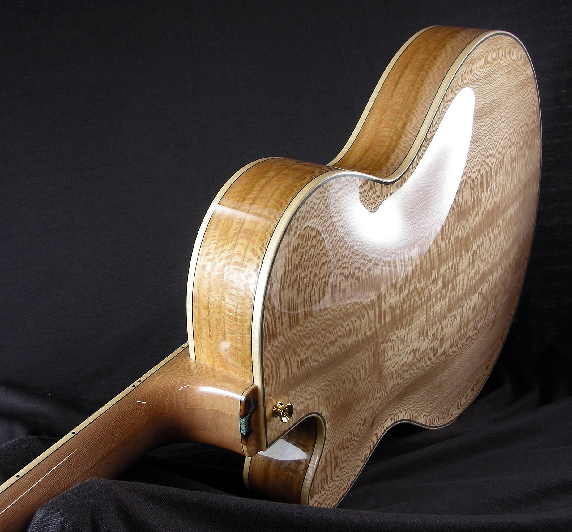 Benedetto-custom-16-B-Sycamore-S2144-sideview